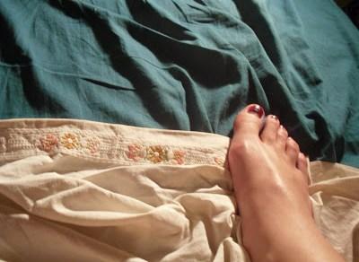 pies de roser amills uñas pintadas