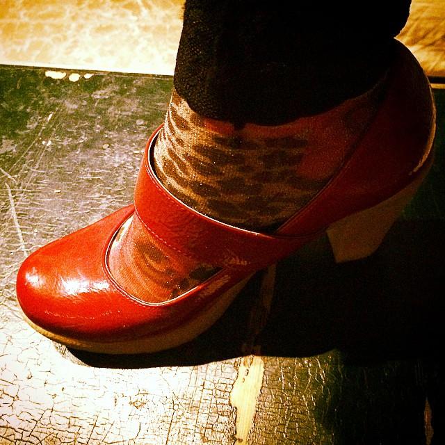 """Y de calcetines? """"Mamá decia que puedes saber mucho de las personas por los zapatos que usa"""" Forrest Gump"""