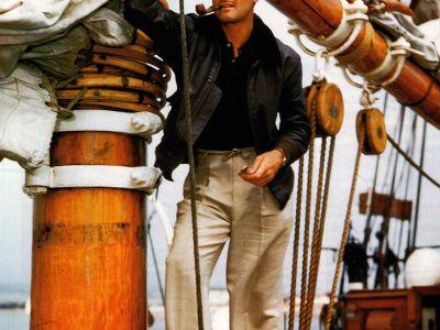Errol Flynn tumbado en el Zaca