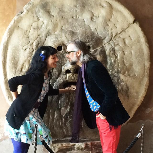 Roser Amills y Victor Amela en Roma