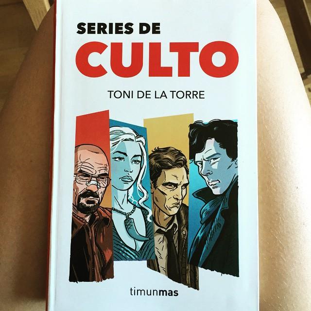 Ya tengo lectura para el fin de semana!!! Muy recomendable culto a @tonidelatorre #seriesdeculto :))