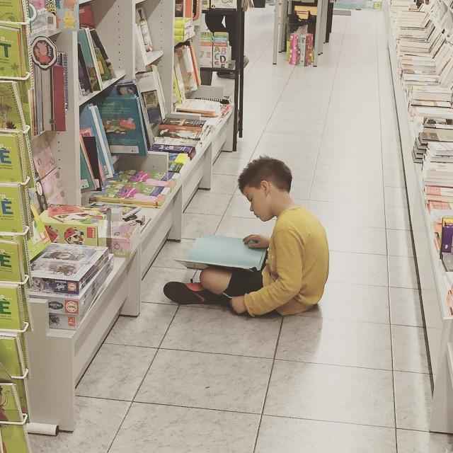 Mi hijo lee y yo recito