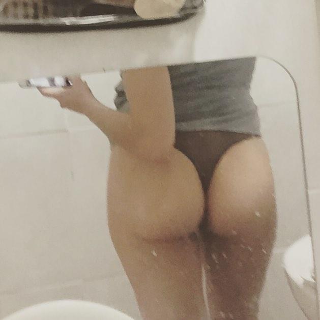 A este espejo le falta un toque de bayeta, verdad? Bona nit, tras el #amillspublicwc ya puedo volver a escribir :))
