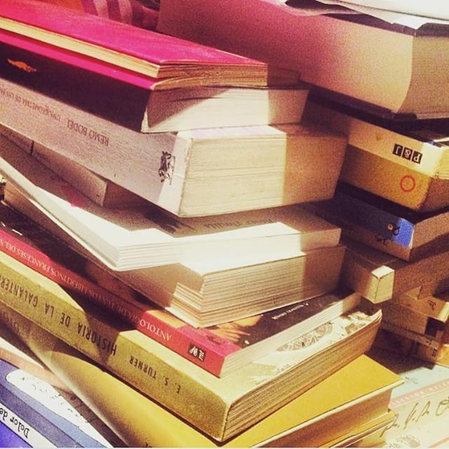 Librería de viejo casera :)) #próximanovela #1800 #alarecherchedutempsperdu ;)) #perdue #ouicestmoi