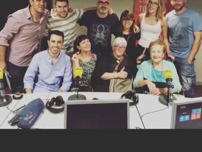 La #FotoFamíliaEspècies amb Victor Fernandez Clares, Oscar More, Jaime Viure, Anna Pris i @TietesEspecies a @especiessercat !!!