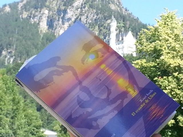 El Ecuador de Ulises de viaje. Al fondo el Castillo de Neuschwanstain , cerca de Füssen.
