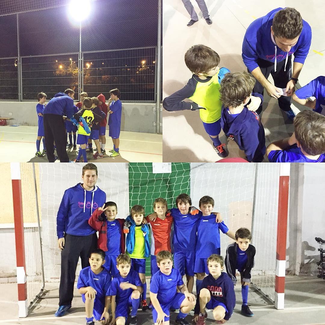 Equipo de pequeños futbolistas ;))