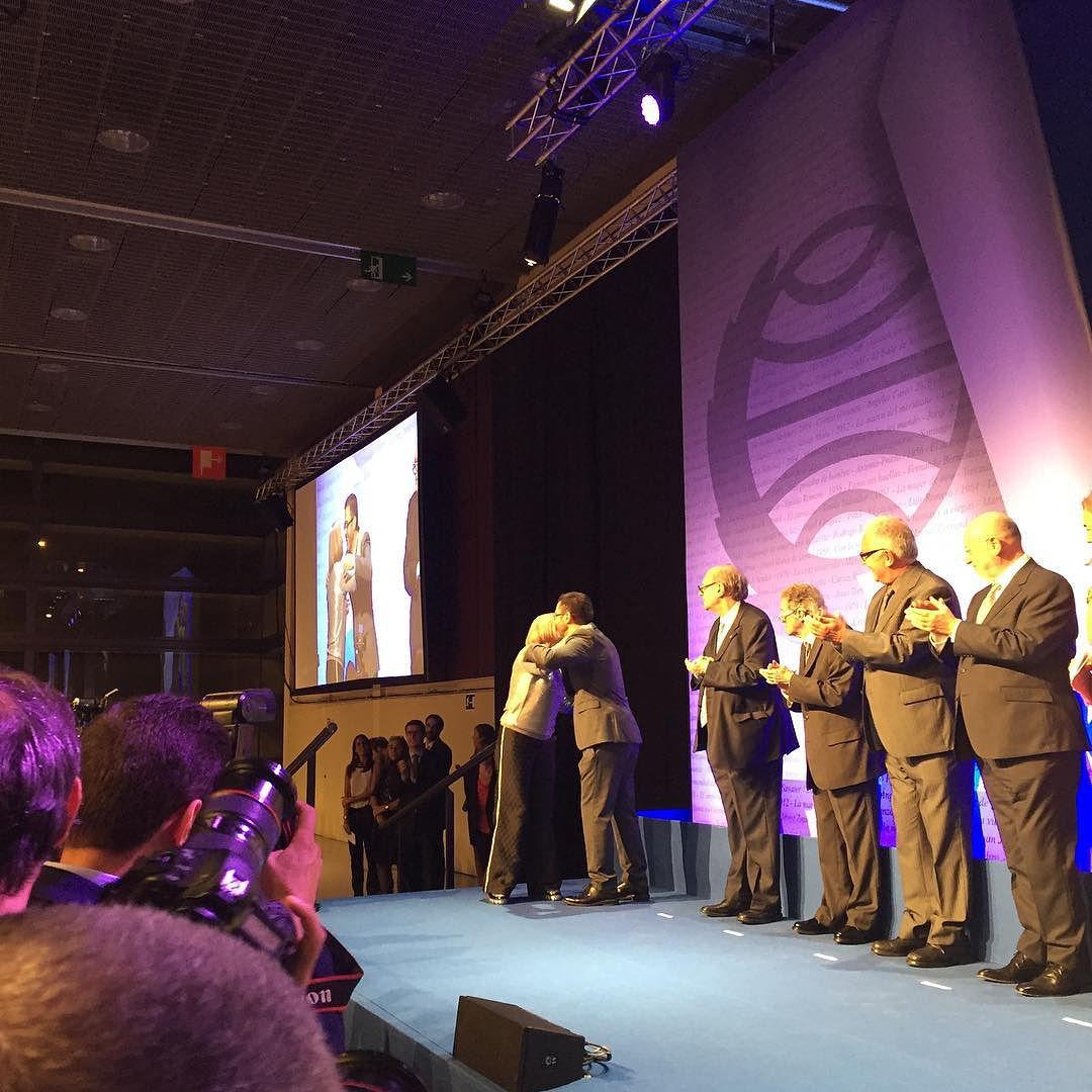 Ganadora #premioplaneta2015 de alicia Gimenez Bartllet !!!