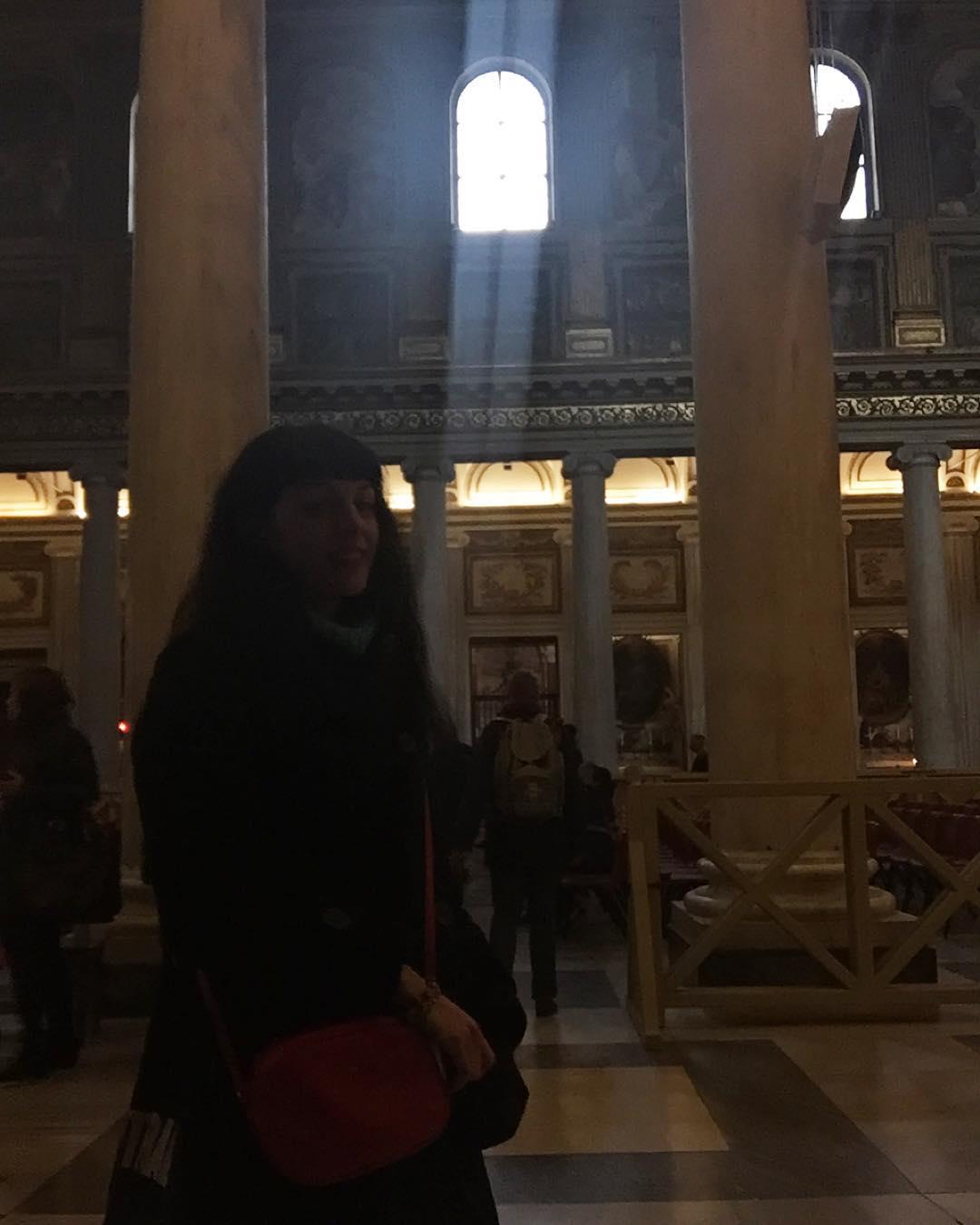 Aquí estoy, de visita a la puerta santa de la basílica romana de Santa Maria Maggiore