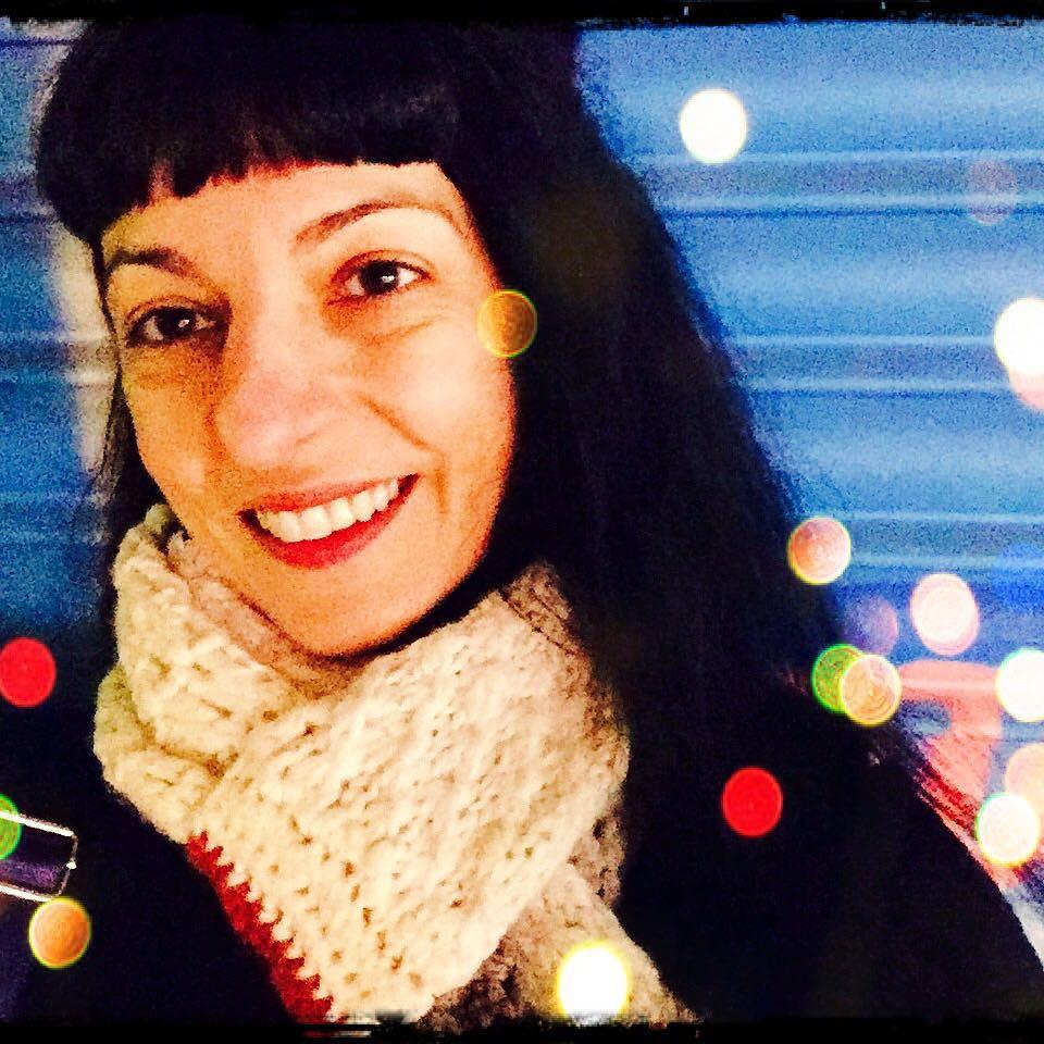 Dormir poco o nada es perfecto para ver chispitas de colores ;)) Pero estoy feliz: la #nuevanovela me encantaaa