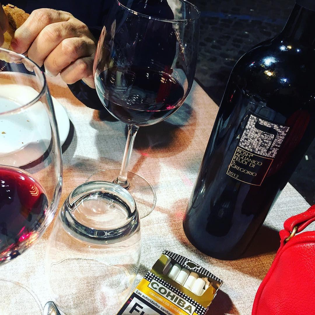 El #vino es lo primero: este es #Aglianico :)) #food #pornfood #foodporn #picoftheday #igersespaña #kosher #rome #italy #italia