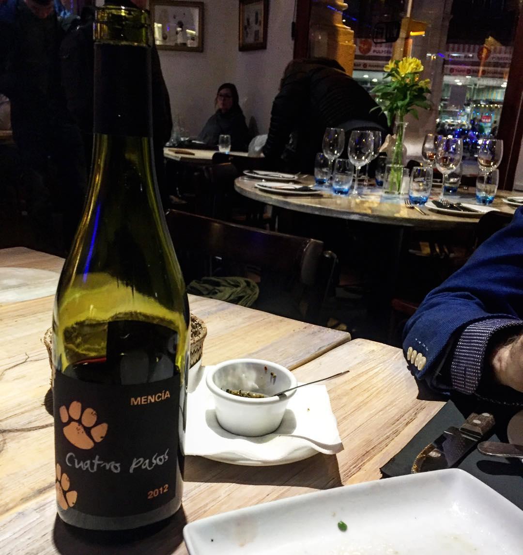 Cuatro pasos #vino #mencia #bierzo #sinfiltros #holabarcelona