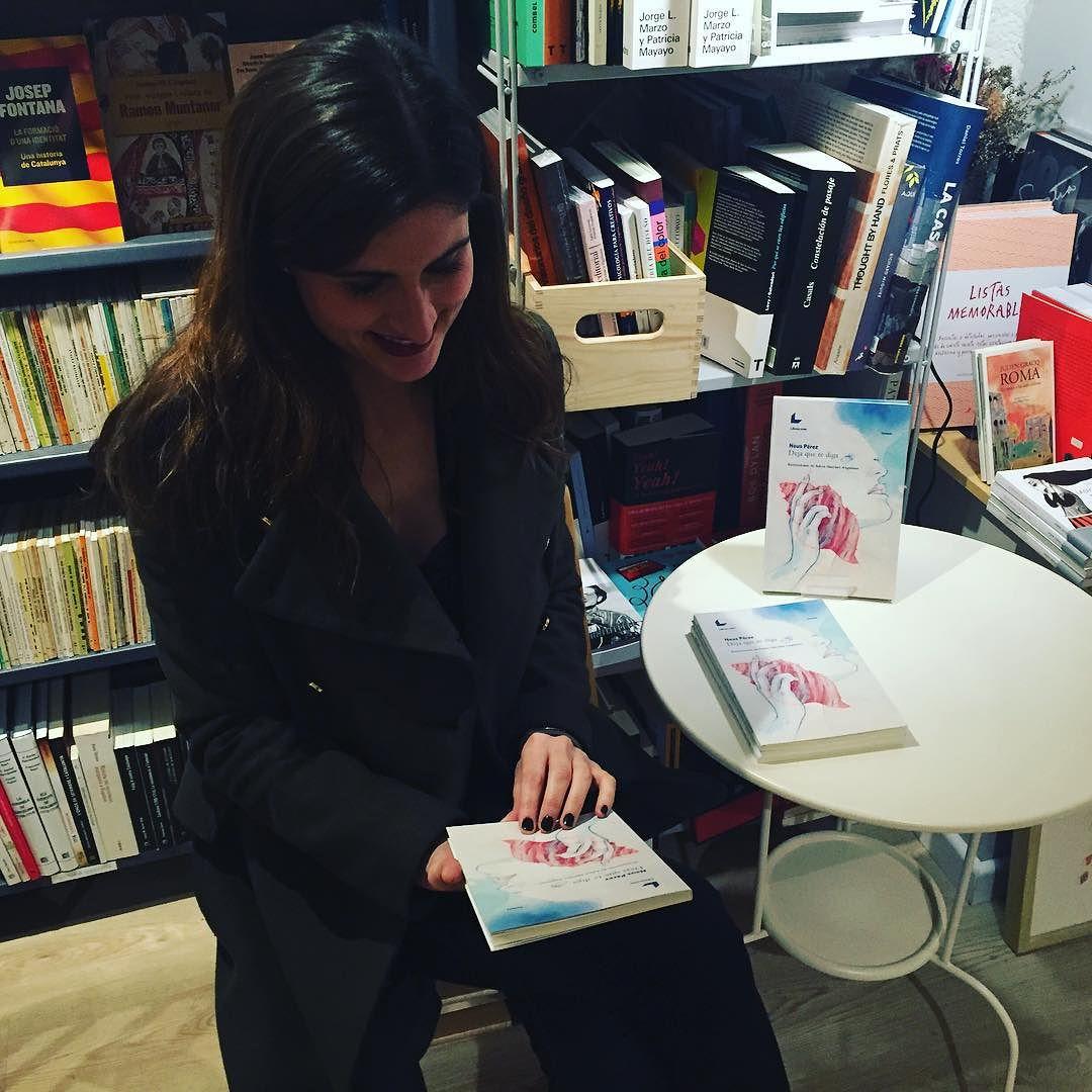 Ja tenim la Neus a #laimpossible veniu que us agradarà molt el seu llibre!!! @schneesperez
