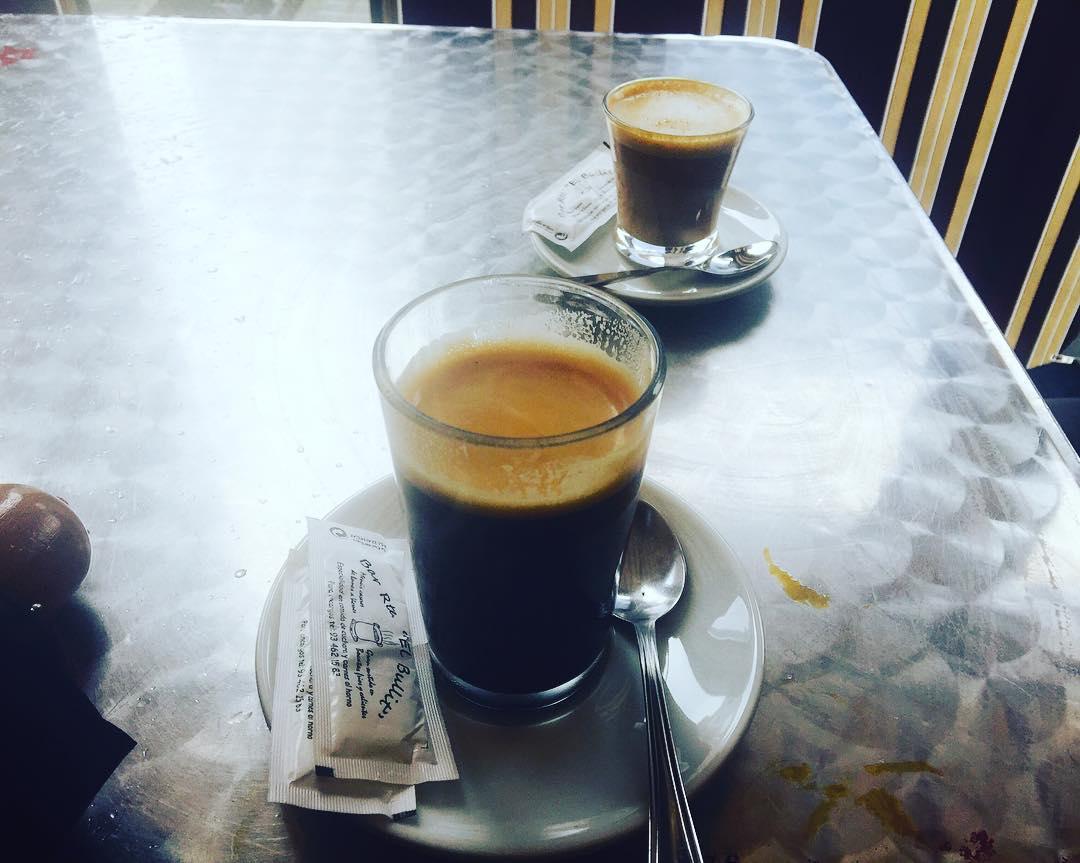 Café largo o cortado?