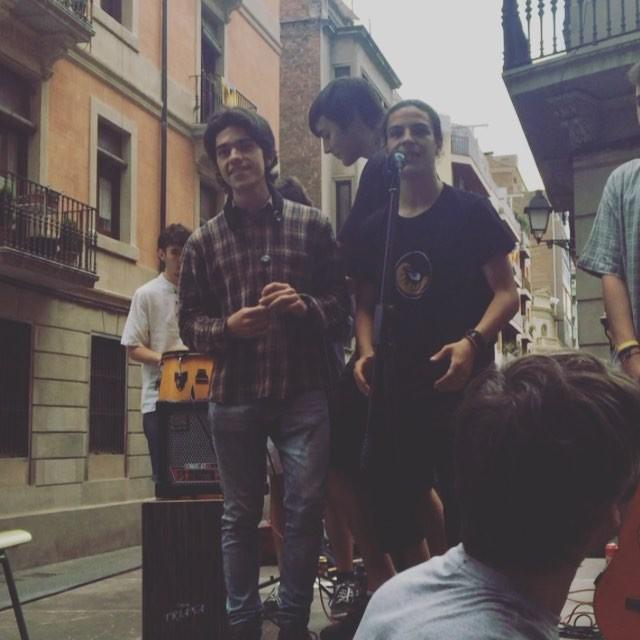Visca la festa al #barridegracia i que no pari ;)) #barriobertrefugiats