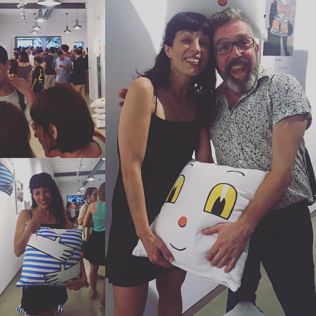La alegría que dan los cojines de @lamallorquina20 & #designseriesbcn es indiscutible ;))