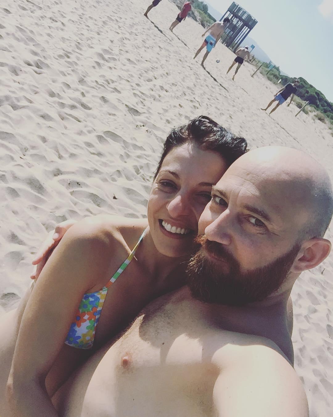 En una playa secreta con Marco :))