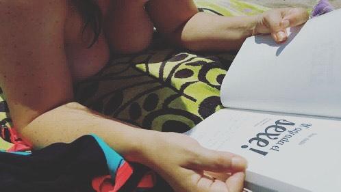 Me hace muy feliz saber que @alejandra.navarroribas empieza a leer #magradaelsexe !!