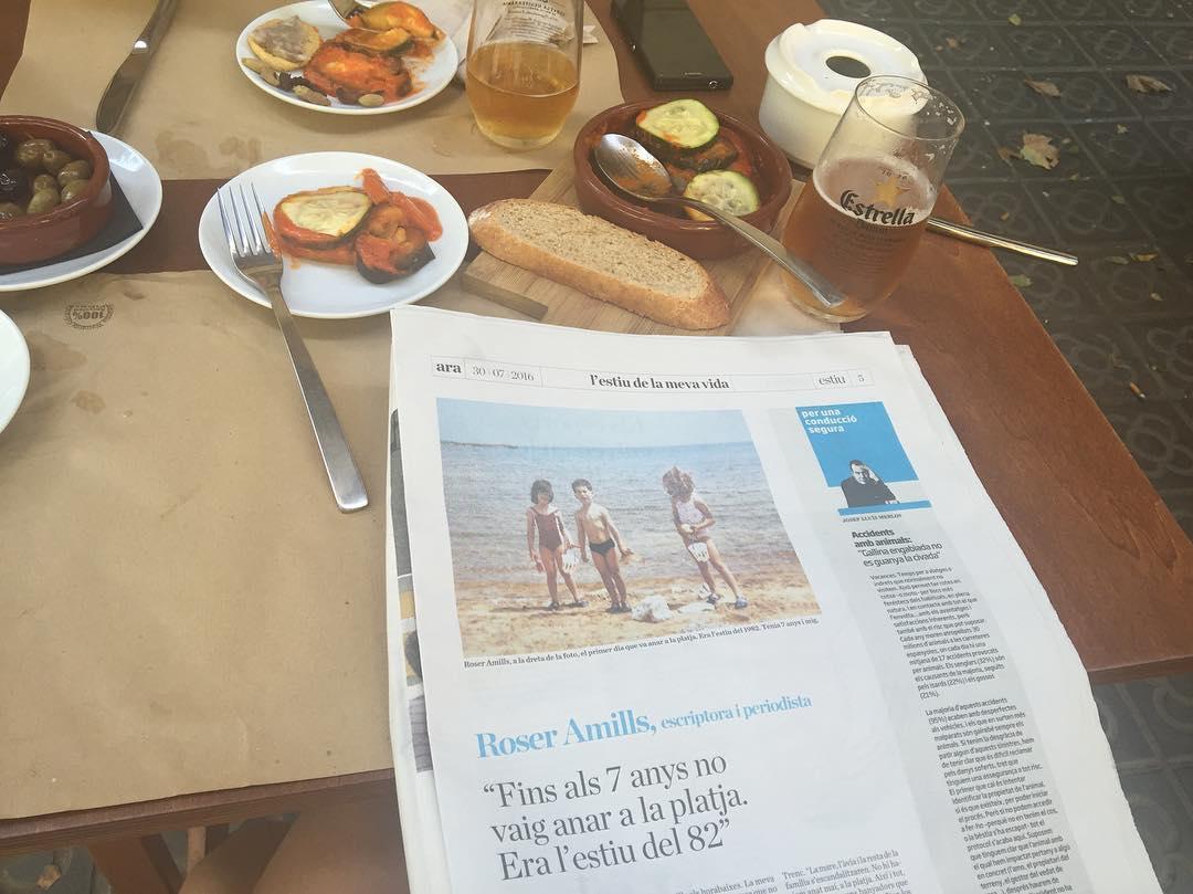 Quin millor lloc per llegir el meu 1er estiu de platja que s'@idobalear? Veniu i farem unes herbes!!