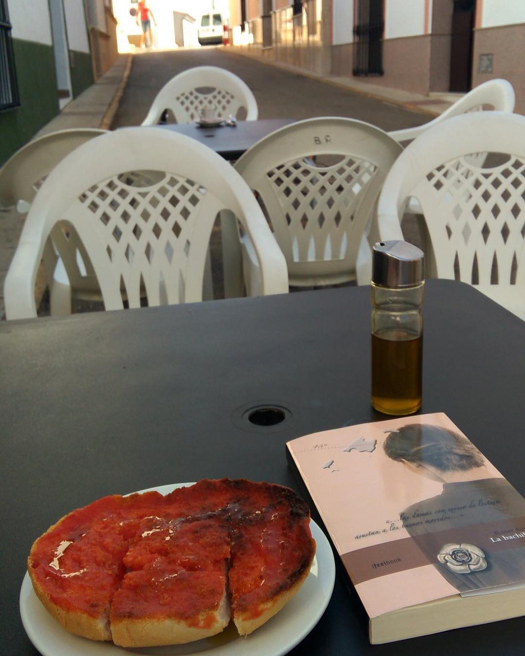 Hoy #labachillera desayuna en Valencia con @evareganamunoz ;))