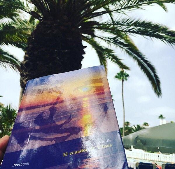 """Gracias @rolangeltw !!! De vacaciones con Errol y Mike, """"El ecuador de Ulises"""" #unhombreimposible con una vida alucinante #vacances #holidays #lanzarote #actor #actors"""