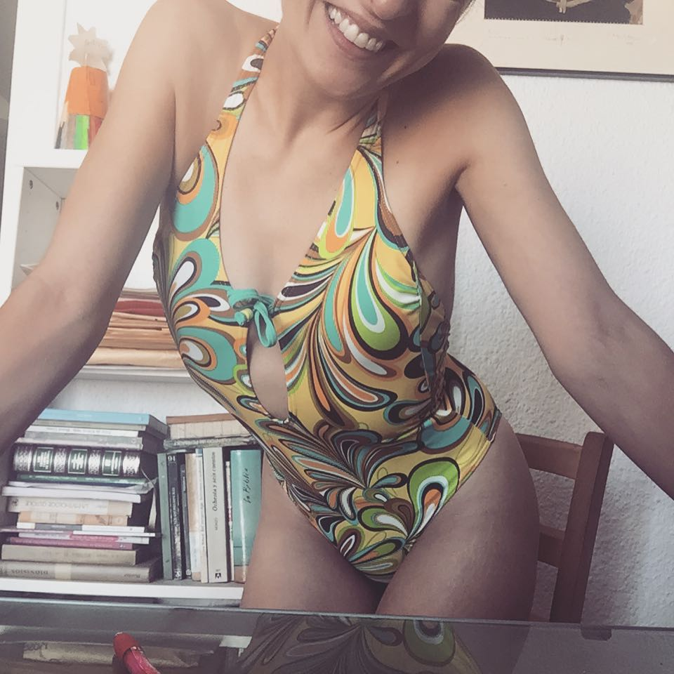 Escribe, sobre todo en #trikini que es más veraniego ;)) #novela2017 #amillspublicwc #amillsmorning