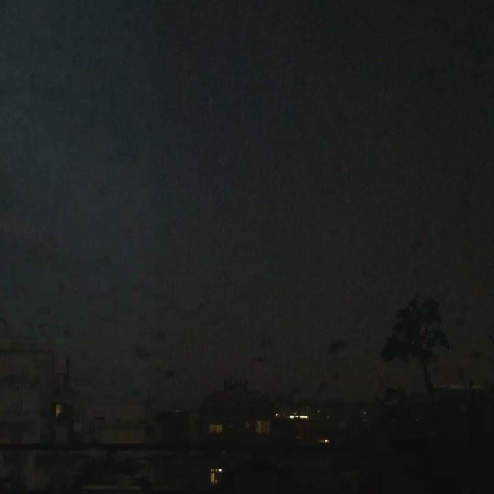 Tormenta de rayos y truenos y se ha ido la luz. #nopuedoescribir !!!! #apagon #barridegracia