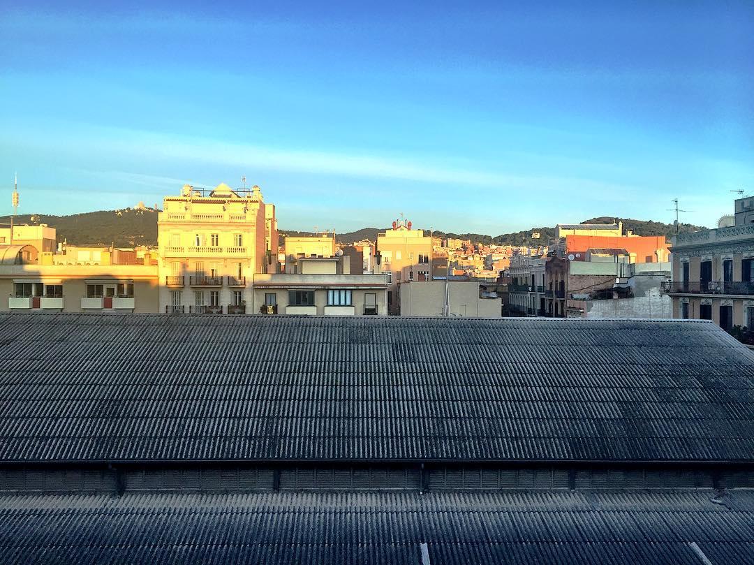 No hay mejor orgasmo que ese que vamos creando en nuestra mente ;)) #amillsmorning #bondia #buenosdias #goodmorning #morning #day #barcelona #barridegracia #daytime #sunrise #morn #awake #wakeup