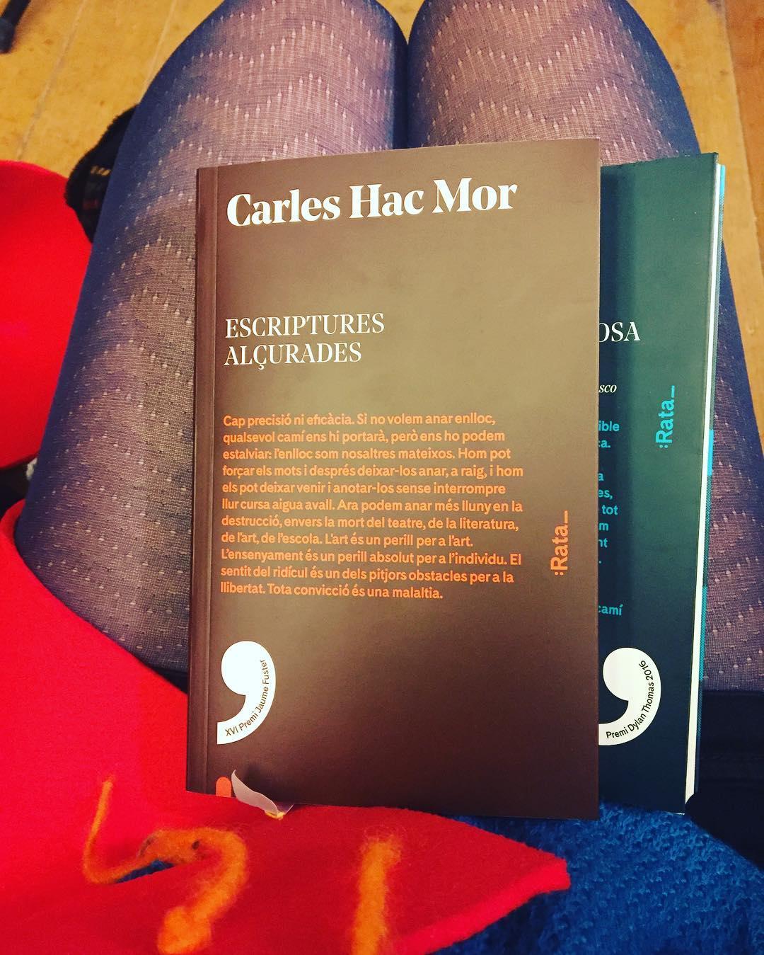 Agafeu ja les #escripturesalçurades del #carleshacmor editades per @rata_books