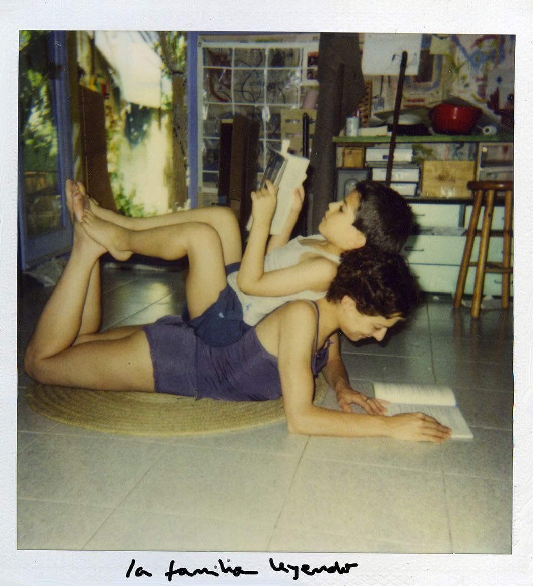 Lees? En casa leemos juntos desde hace más de veinte años ;)) Foto del año 2000, aprox, etapa #santcugat