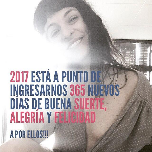 2017 está a punto de ingresarnos 365 nuevos días de BUENA SUERTE, ALEGRÍA y FELICIDAD