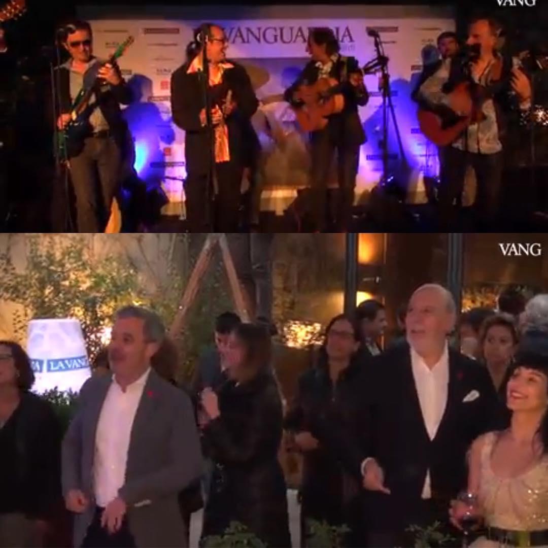 De #santjordi2017 recordaremos durante meses a Los Manolos en la fiesta de @lavanguardia en @hotelalmabcn :)) Os gusta mi vestido de Matilde Cano?