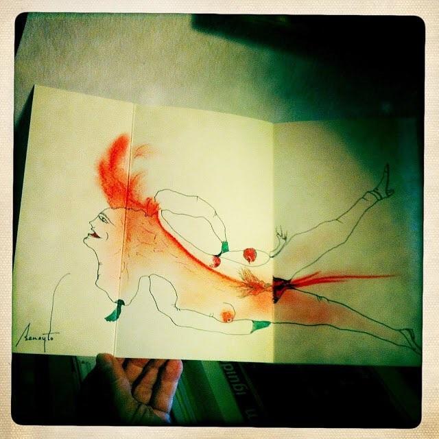 """Mi queridísimo #AntonioBeneyto lleva años dibujando en cuantos libros lee. Dibuja en las guardas, en las primeras páginas… Y sus dibujos reflejan lo que le han inspirado esos libros en el momento de lectura, sin censuras de ningún tipo, un derroche de creatividad en estado puro.  Hace unos años me maravilló al mostrarme los dibujos que ha hecho en dos de mis poemarios, """"Uno solo por favor"""" (Madrid, Calambur, 1998) y """"Lais per amants distingits"""" (Vilobí d'Onyar, Abadia editor, 2005). Desde aquí, mi agradecimiento por hacer tan suyos estos dos libros, aquí su exlibris."""