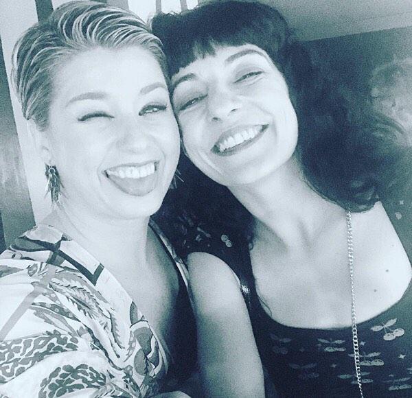 Brindamos por la amistad… y la publicación de la primera novela de @annabel.arcos 😊#barcelona #nitsdestiu #women #power #love #friendship #friends #writers #book @ilgiardinetto