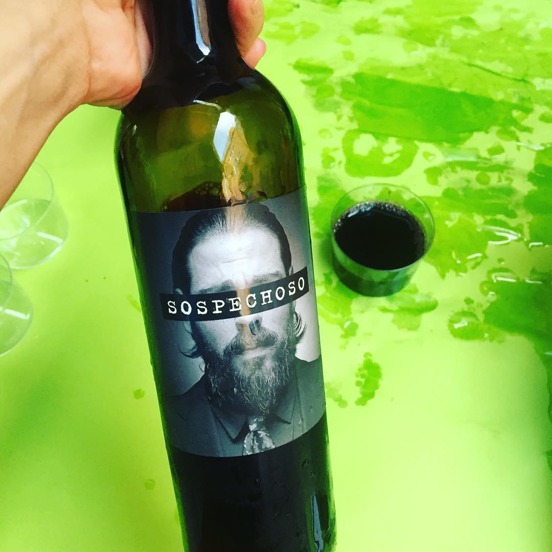Hoy seré #sospechosa ;)) Un vino descubierto con @vilaviniteca 💕