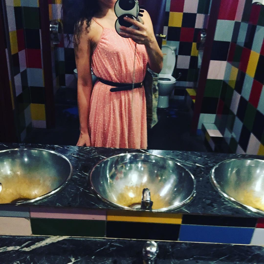 Señorita de rosa ;))