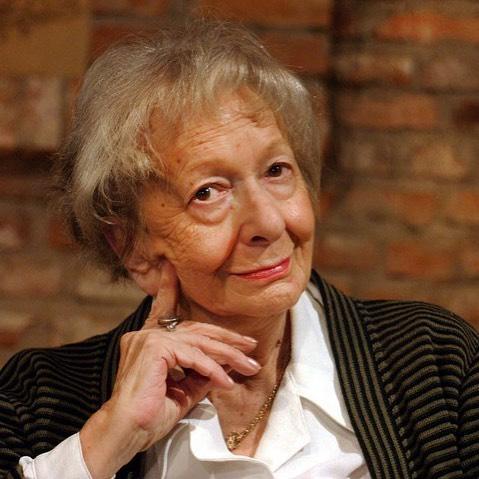 """Hoy hubiera cumplido 100 años. Wislawa Szymborska: """"Que me disculpe el tiempo por el mucho mundo pasado por alto a cada segundo"""""""