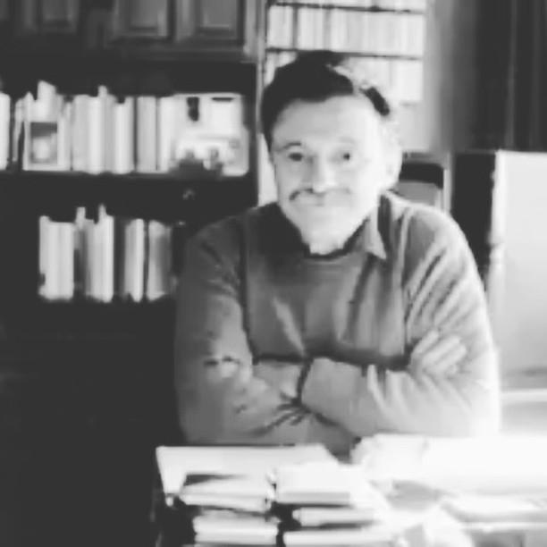 35'' de #mariobenedetti Disfrutar mientras se pueda, tomemos nota :)) #poetry #poem #poet #writersofinstagram #writing #poetsofig #poetrycommunity #poems #instapoet #poets #instapoem #writers #writerscommunity #instapoetry #poetryisnotdead #igpoets