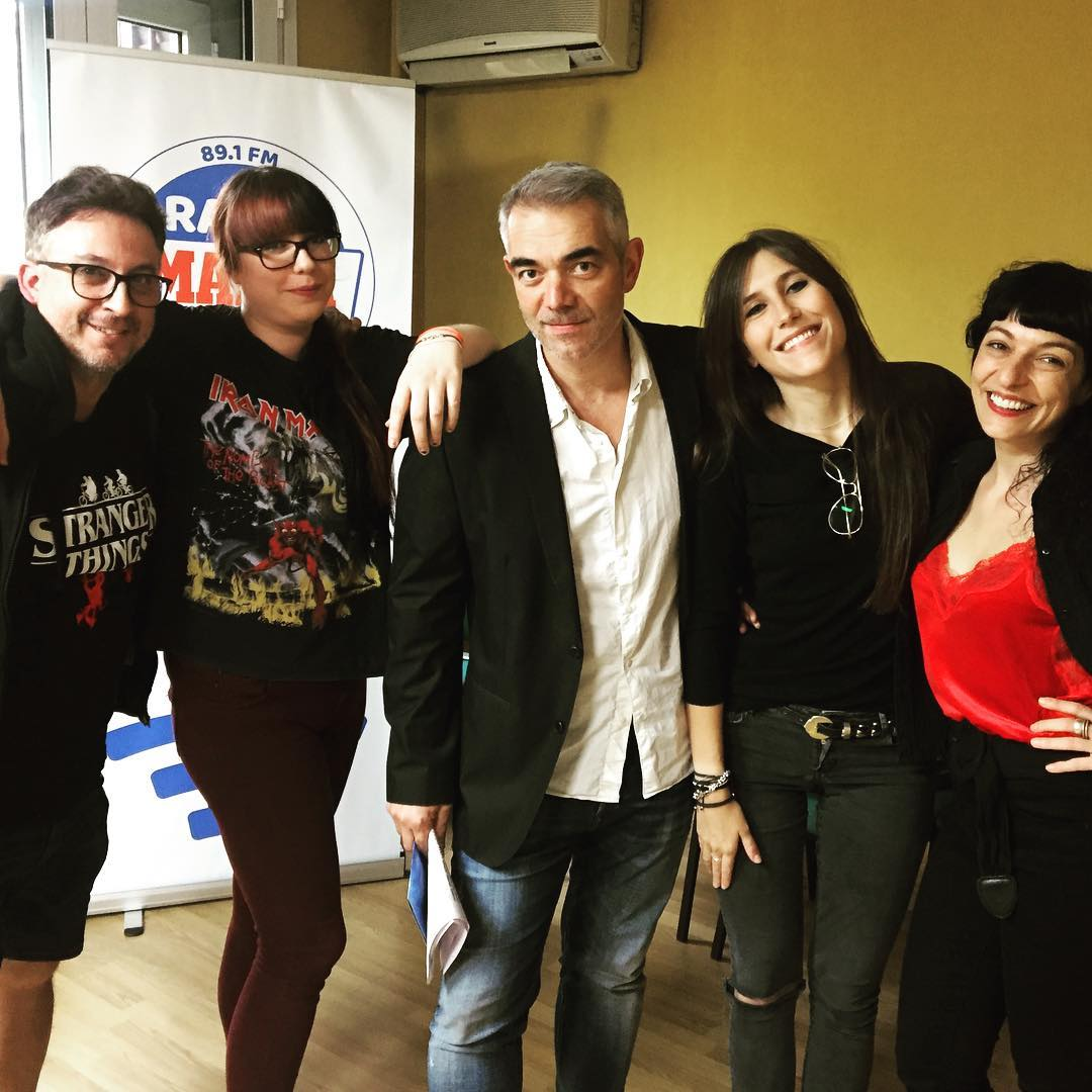Hoy hemos hablado de series en @seriadictos y lo podréis escuchar pronto!