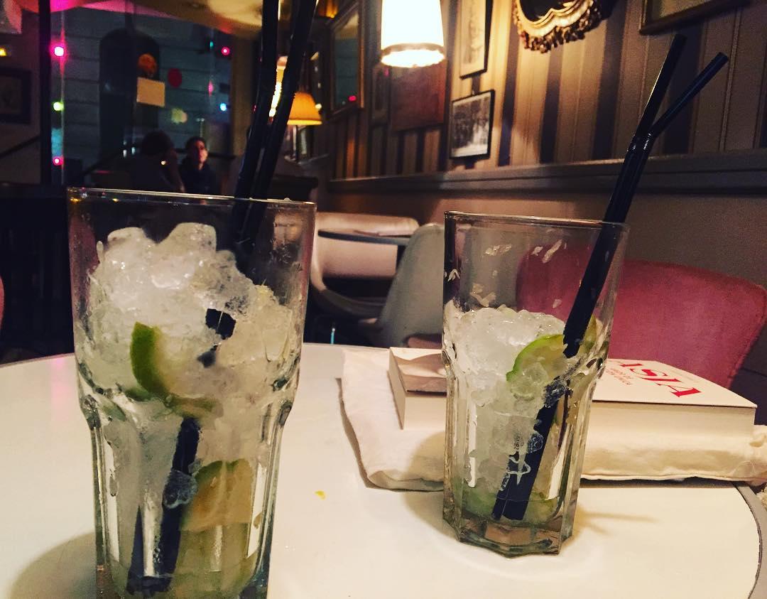 Qué ilusión saber que #asjalacis & #walterbenjamin van juntos de bares! Feliz lectura David &Co ;))