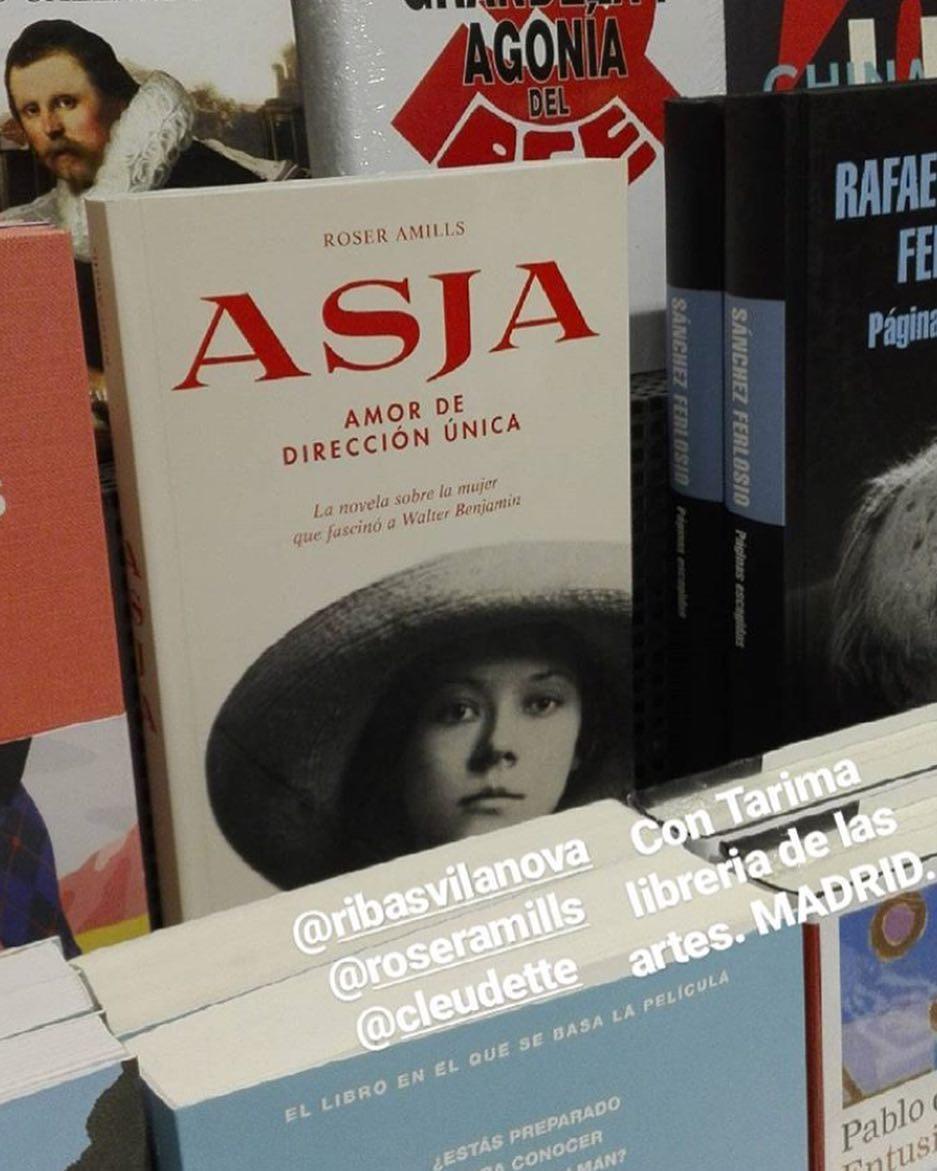 Muy #buenasnoches con esta foto de @cfiolsiquier de mi novela en la librería de Madrid #libreriacontarima #calleprincipe #barriodelasletrasdemadrid #contarima #libreriadelasartes #madrid
