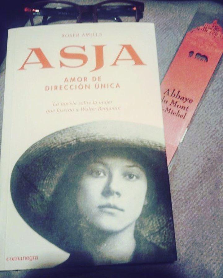 Gràcies @misabelvergara78: #repost Començant a llegir #Asja