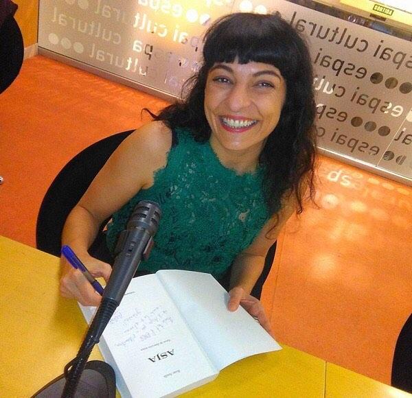 Gracias @eloy.prive por sacarme esta sonrisa, nada más verte, ayer en la presentación de #asjalacis & #walterbenjamin 💕