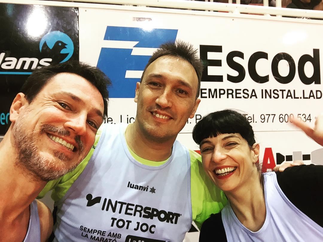 Col.laborem ⭐amb el @CBValls i @la_marato a l'encistellada dels famosos!! #bàsquet 🏀🏀 #Valls #maratocbvalls17 @comanegra