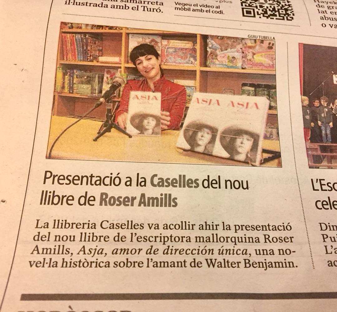Y #asjalacis visitó Lleida. Foto de @segrediari [chaqueta roja de cuero de @ottovanrhuskbcn ]