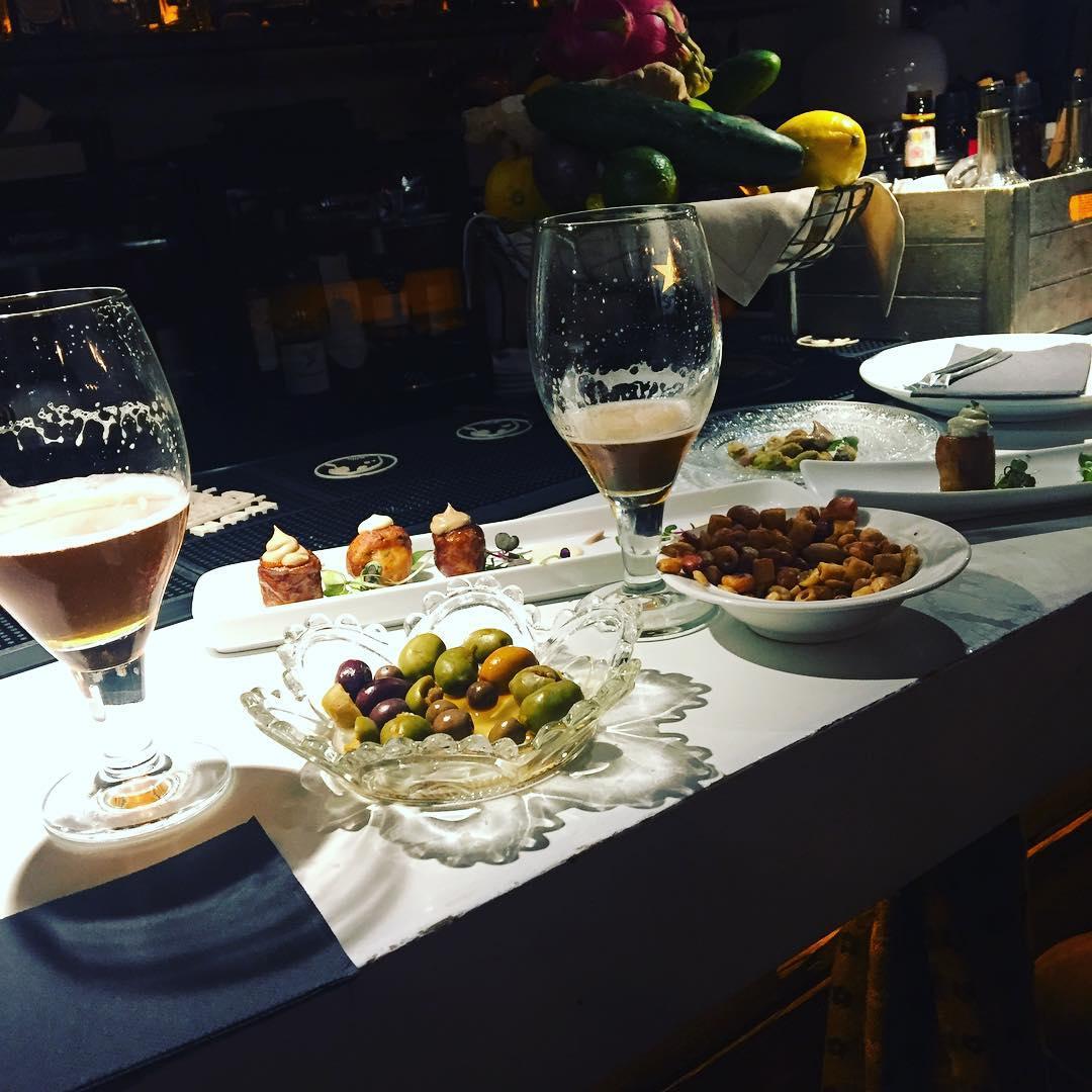 El apertivo, cómo no, en @llamber_restaurant_barcelona. Os recomiendo mucho este restaurante, de 💕