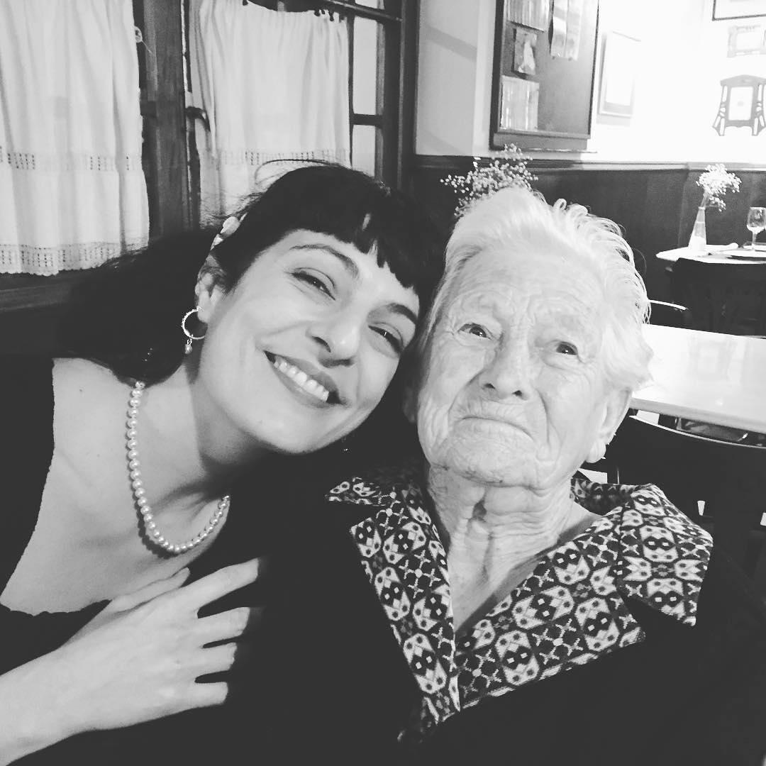 Catalina Pou Barceló, la mujer más importante de mi vida, descansa en paz. Nos dio su sonrisa durante 89 años y ahora nos iluminará cada vez que alguien suspire recordándolac