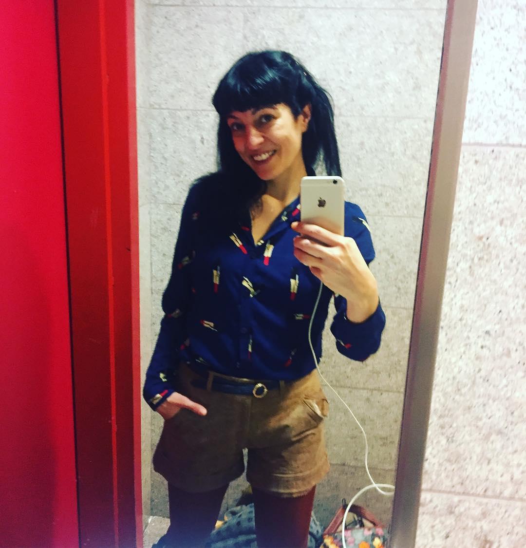 roser amills lavabos de los aeropuertos ;)) Y qué cómodo para viajar mi #short @ottovanrhuskbcn ;))