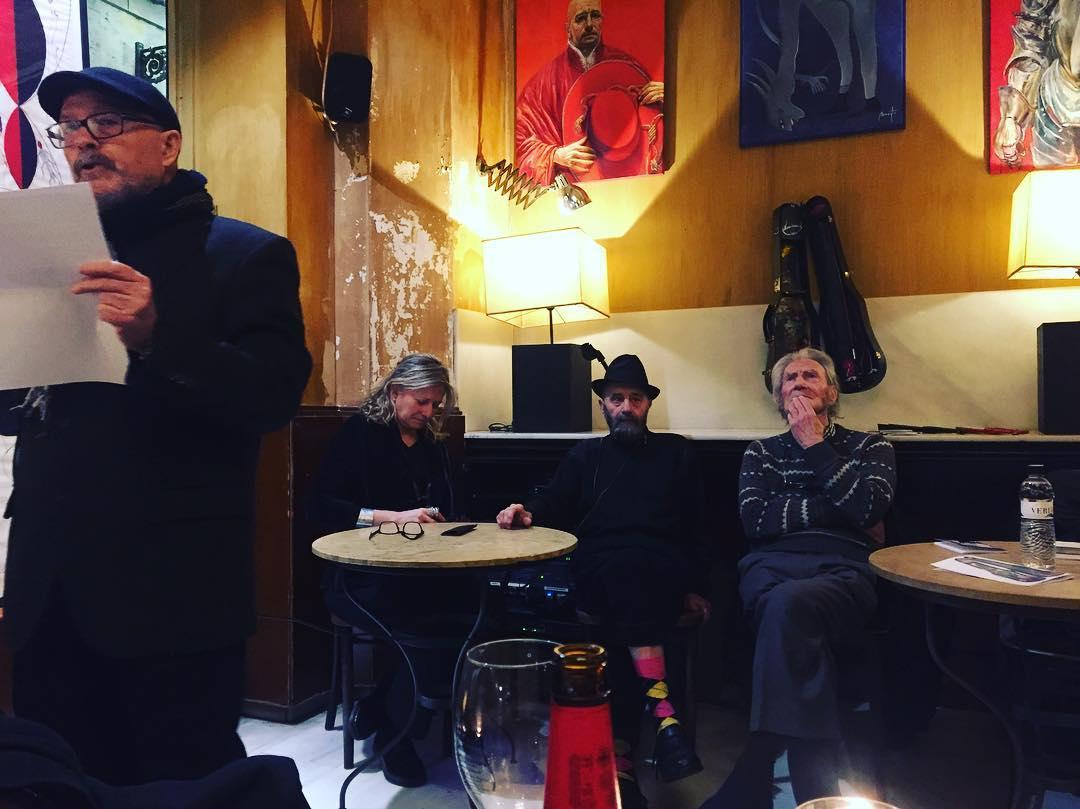 Hoy recordamos qué es el #postismo en el @cafeschillingbcn con el último postista @antoniobeneytosenabre y sus cuadros, dibujos, libros…