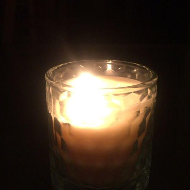 la flamme d'une chandelle #gastonbachelard